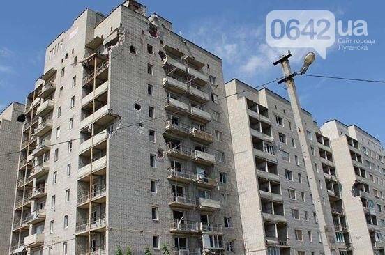 Министр инфраструктуры провел сутки на Донбассе: пообещал дороги, мосты, авиацию (ФОТО), фото-1, Владимир Омелян