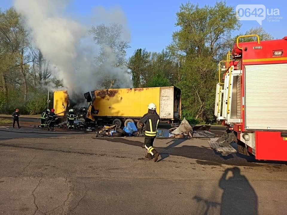 На Луганщине сгорела фура с посылками «Новой почты», - ФОТО, фото-2