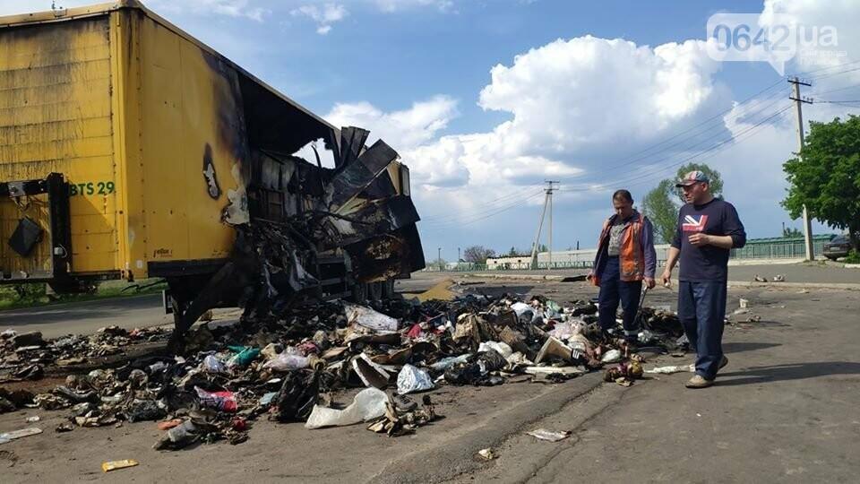 На Луганщине сгорела фура с посылками «Новой почты», - ФОТО, фото-3