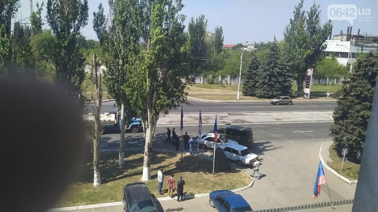 В центре Луганска произошло тройное ДТП, - ФОТО, фото-3