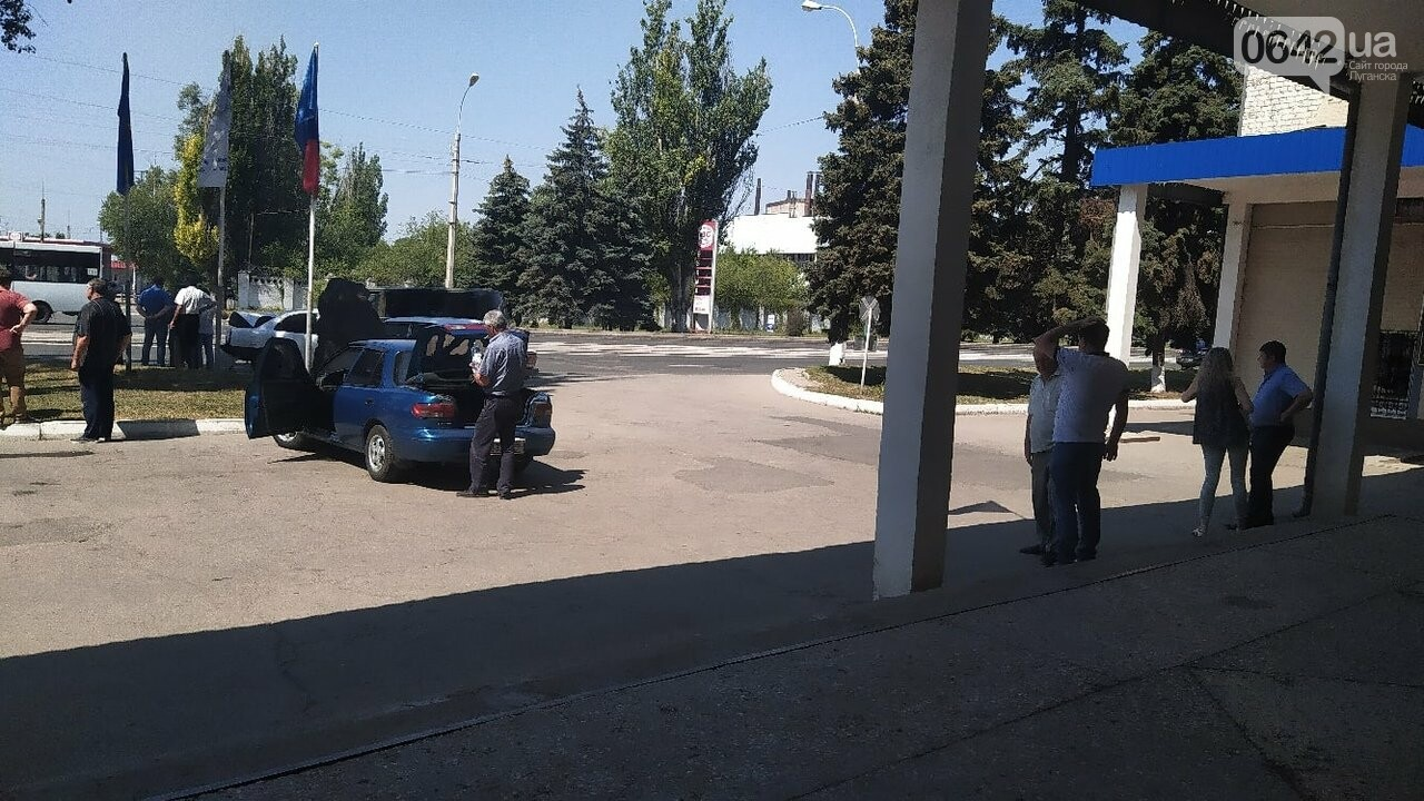 В центре Луганска произошло тройное ДТП, - ФОТО, фото-2