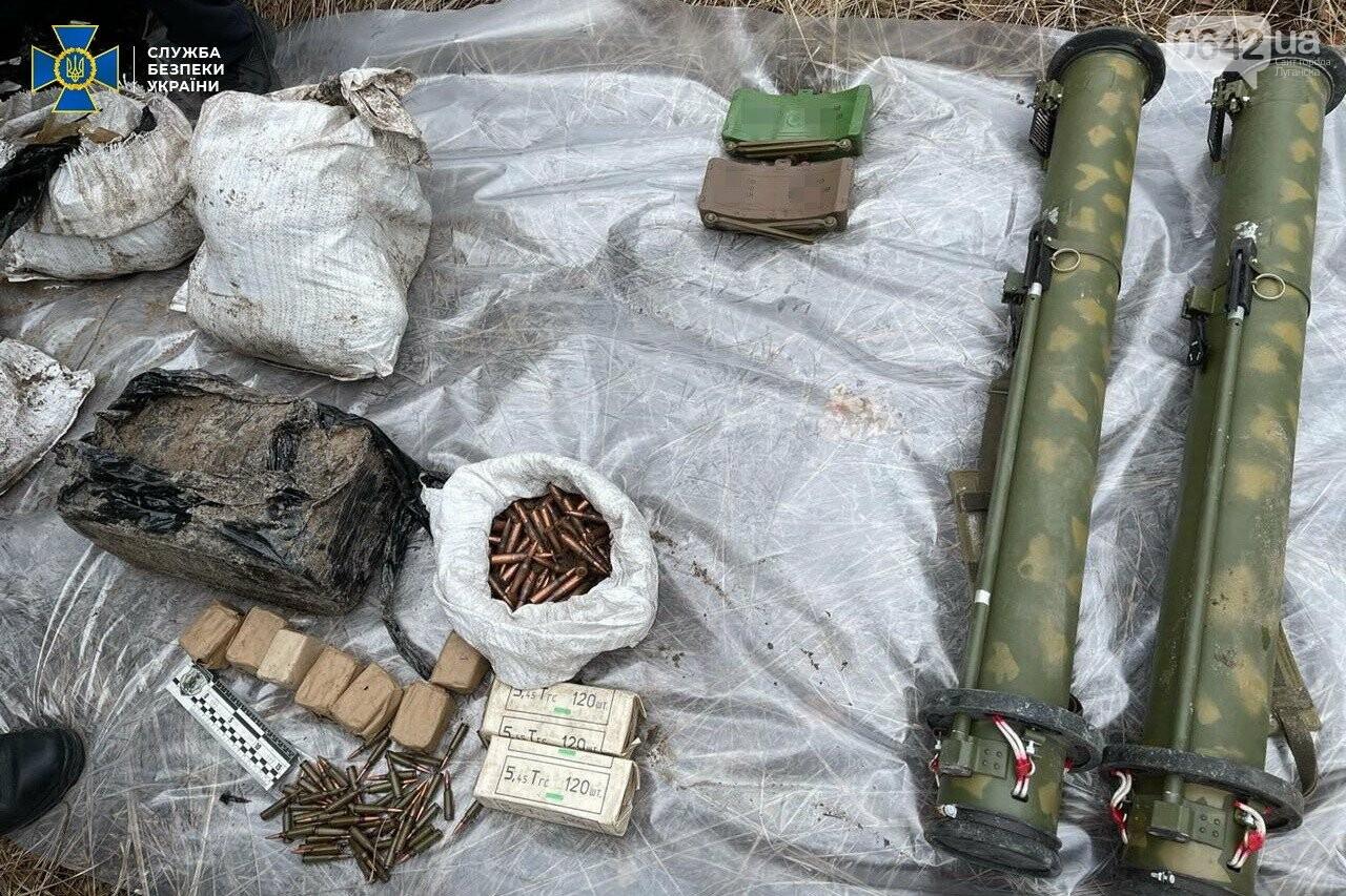 У задержанного боевика «ЛНР» нашли схрон с российским оружием, - ФОТО, ВИДЕО, фото-4
