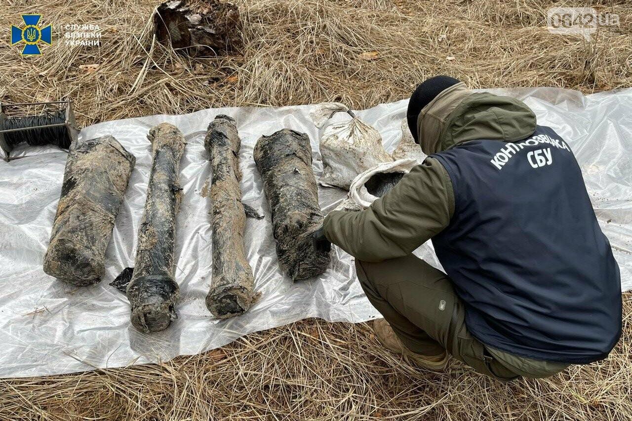 У задержанного боевика «ЛНР» нашли схрон с российским оружием, - ФОТО, ВИДЕО, фото-1