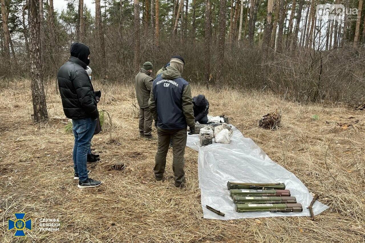 У задержанного боевика «ЛНР» нашли схрон с российским оружием, - ФОТО, ВИДЕО, фото-3