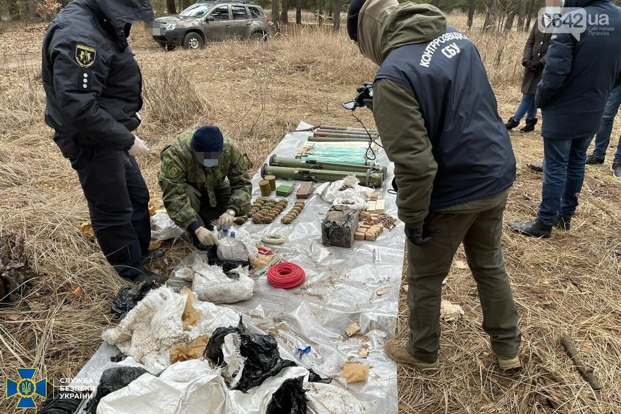 У задержанного боевика «ЛНР» нашли схрон с российским оружием, - ФОТО, ВИДЕО, фото-5