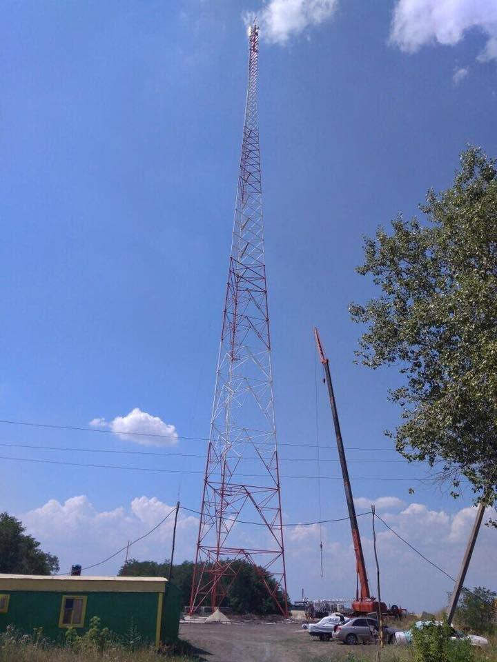 Завершено строительство телевышки, которая позволит смотреть украинские каналы в Луганске, фото-1