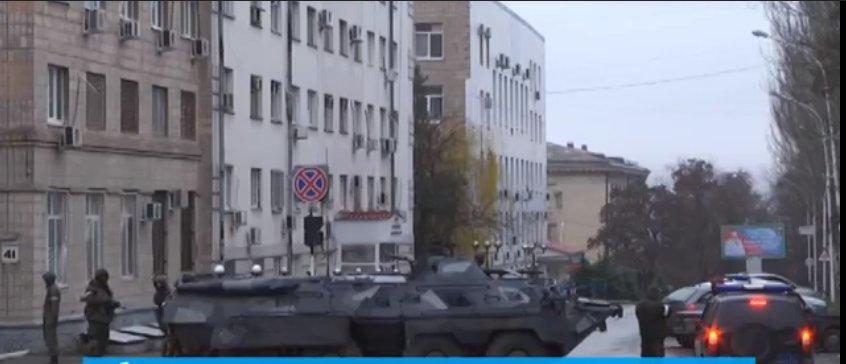 В «ЛНР» военный переворот: боевики оцепили центр Луганска (ФОТО, ВИДЕО), фото-2