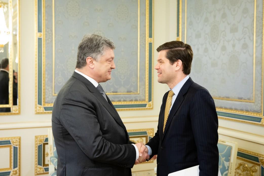 Порошенко обсудил размещение миротворцев на Донбассе с помощником государственного секретаря США, фото-1