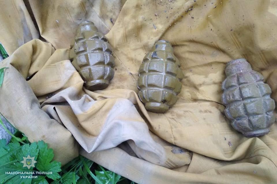 В Луганской области в доме боевика «ЛНР» нашли оружие и взрывчатку (ФОТО), фото-3