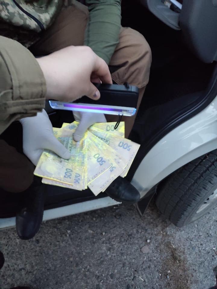В Луганской области во время получения взятки задержали начальника налоговой, - ФОТО, фото-4