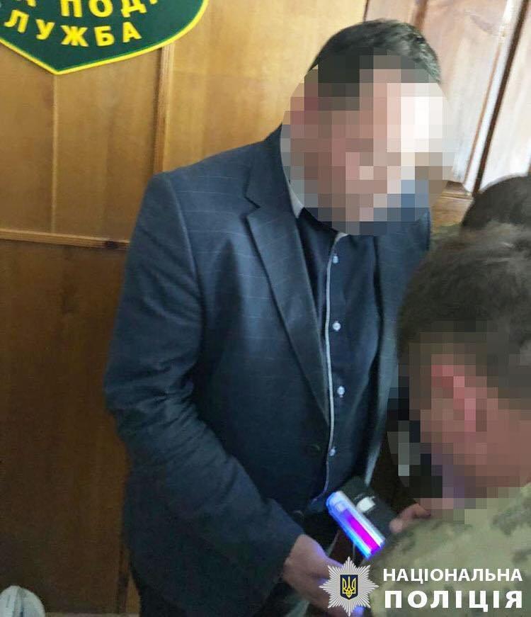 В Луганской области во время получения взятки задержали начальника налоговой, - ФОТО, фото-2