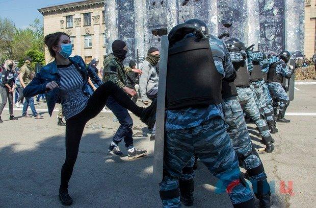 Казанский: Воистину, нет такого безумия, которое не может произойти в Луганске, - ФОТО, фото-4