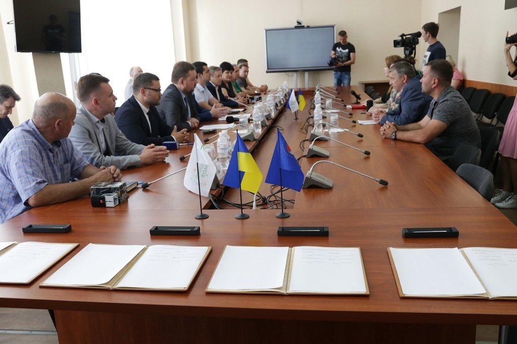 Жилье для переселенцев на Луганщине: 22 млн грн инвестиций поступят в рамках помощи из Германии, фото-2