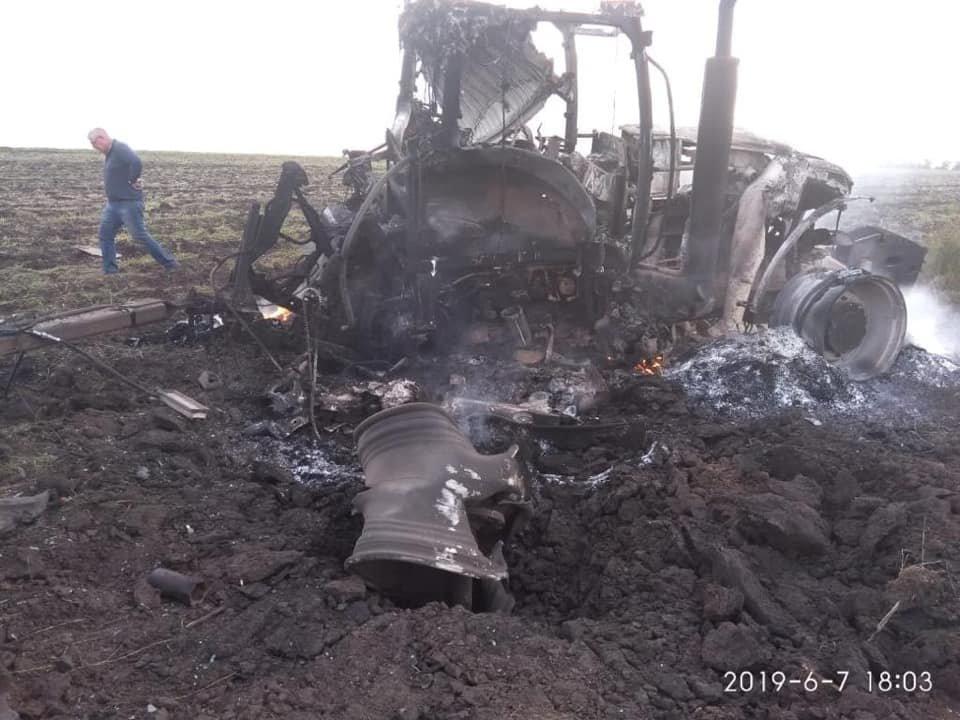 В Луганской области взорвался трактор: ранены два человека, - ФОТО, фото-2