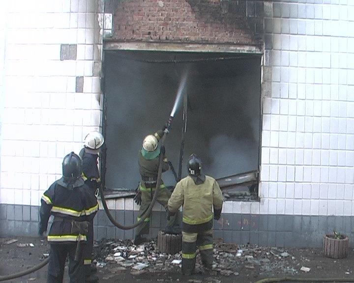 В Луганске горел завод «Автомотозапчасть», - ФОТО, фото-1