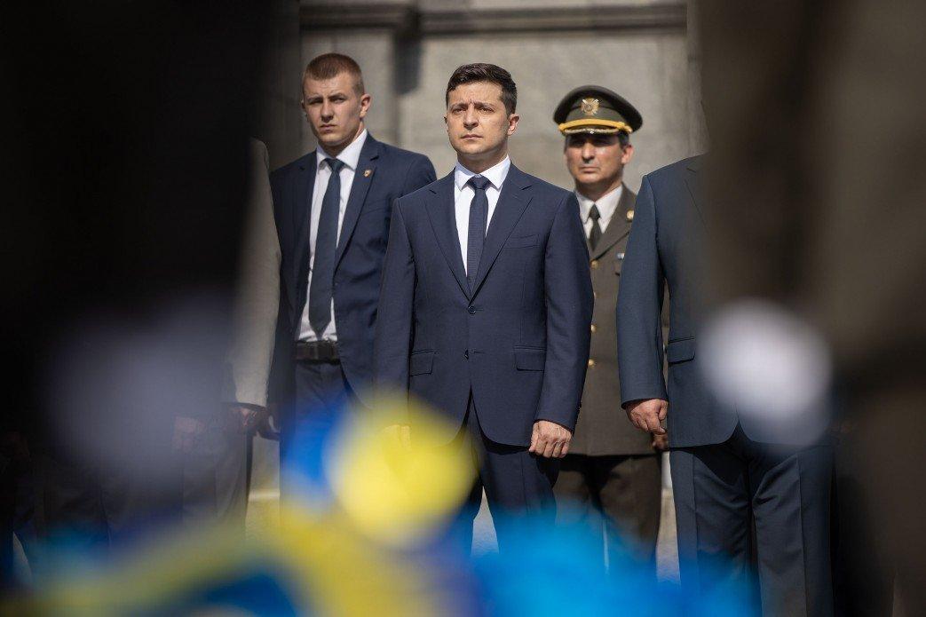 Зеленский почтил память десантников, погибших в катастрофе Ил-76 на Донбассе, - ФОТО, фото-2