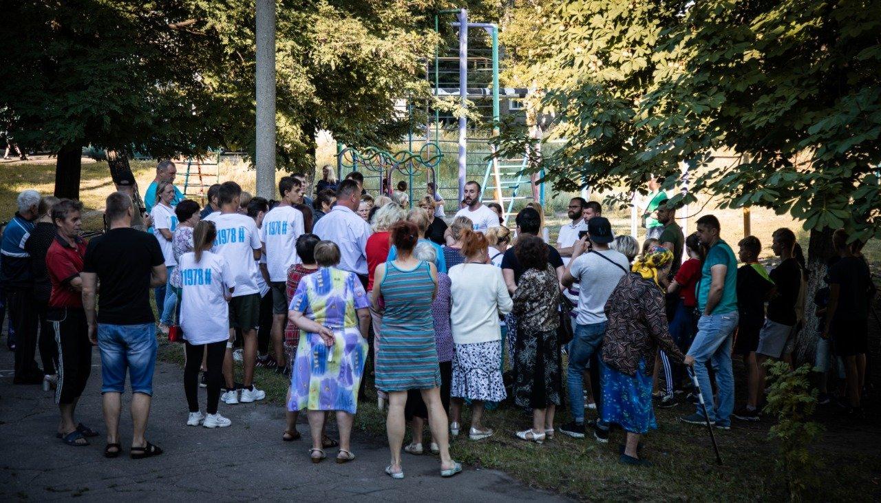 В Новодружеске команда депутата Сергея Рыбалка начала ремонт центральных улиц, фото-1