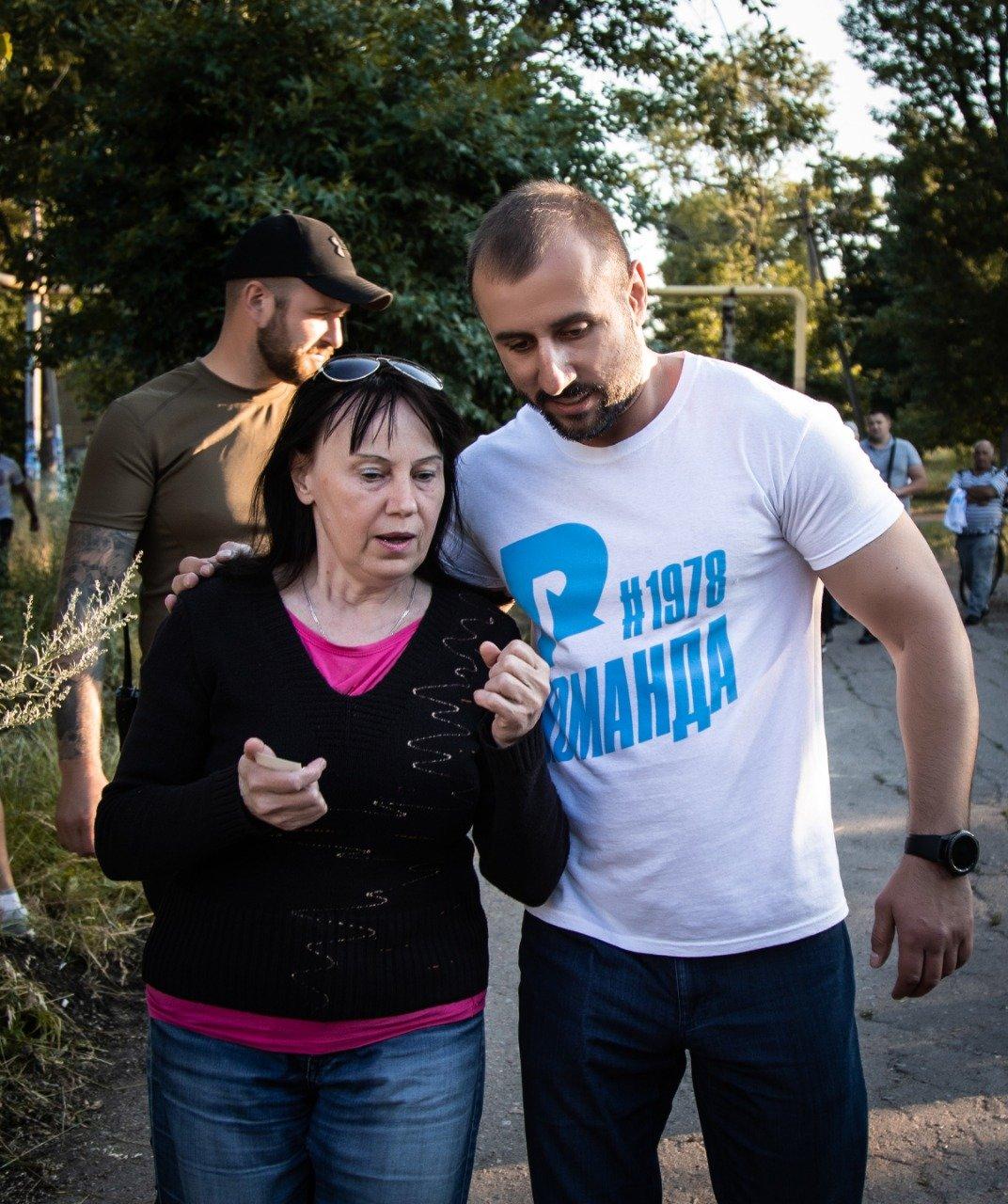 В Новодружеске команда депутата Сергея Рыбалка начала ремонт центральных улиц, фото-6