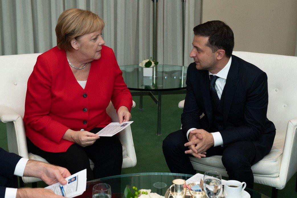 Зеленский обсудил с Меркель ситуацию на Донбассе, фото-1