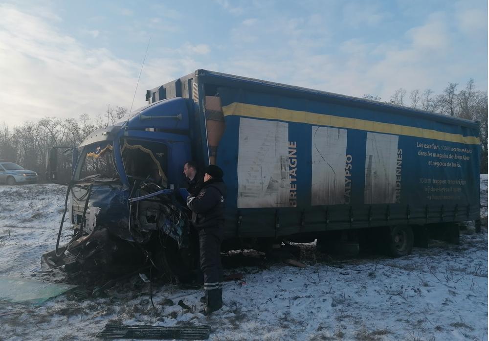 В России микроавтобус столкнулся с фурой: погибли три жителя оккупированной части Луганской области, - ФОТО , фото-4