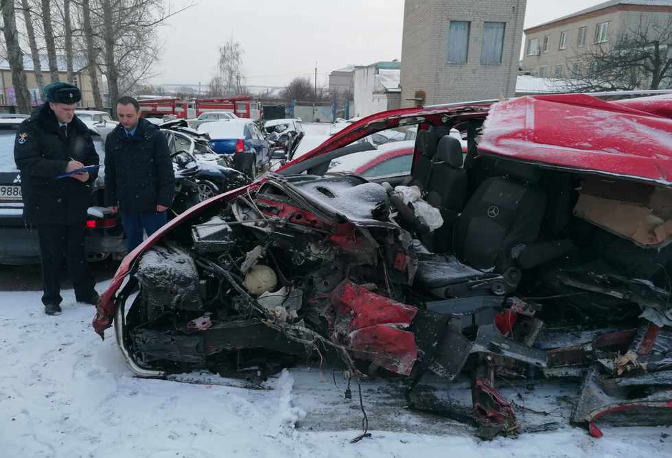 В России микроавтобус столкнулся с фурой: погибли три жителя оккупированной части Луганской области, - ФОТО , фото-2