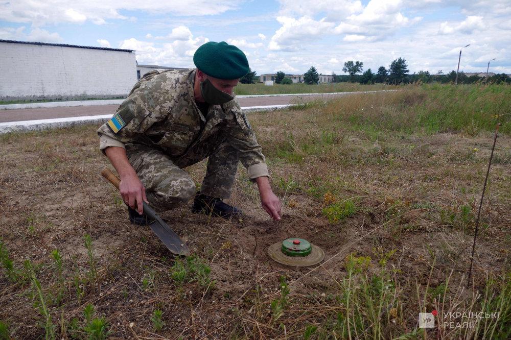 Разминирование с помощью дронов: Пограничники исследуют новый метод, который хотят применить на Донбассе, - ФОТО, фото-4