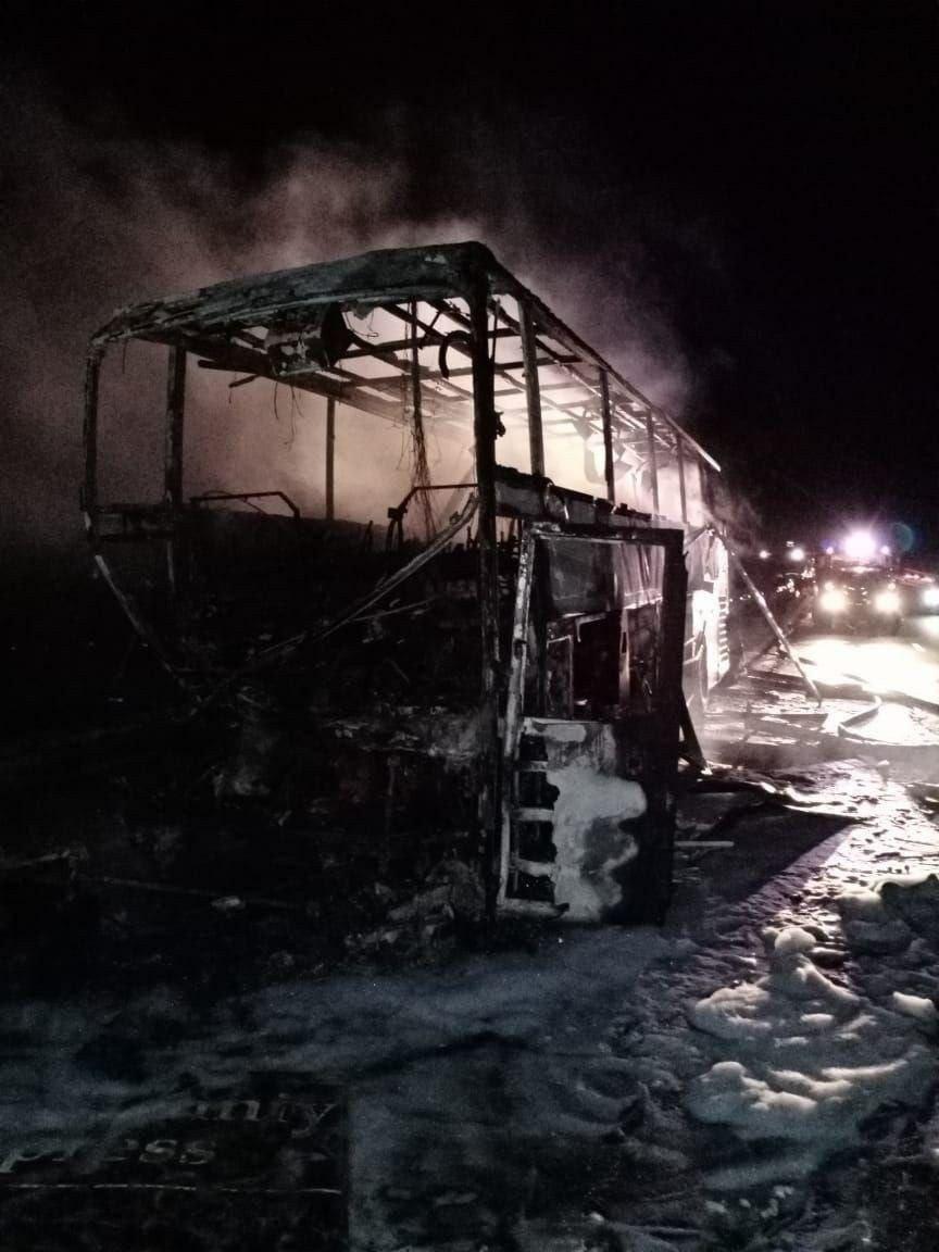 В России автобус «Донецк — Санкт-Петербург» попал в ДТП и сгорел: пострадали пассажиры из ОРДЛО, - ФОТО, фото-1