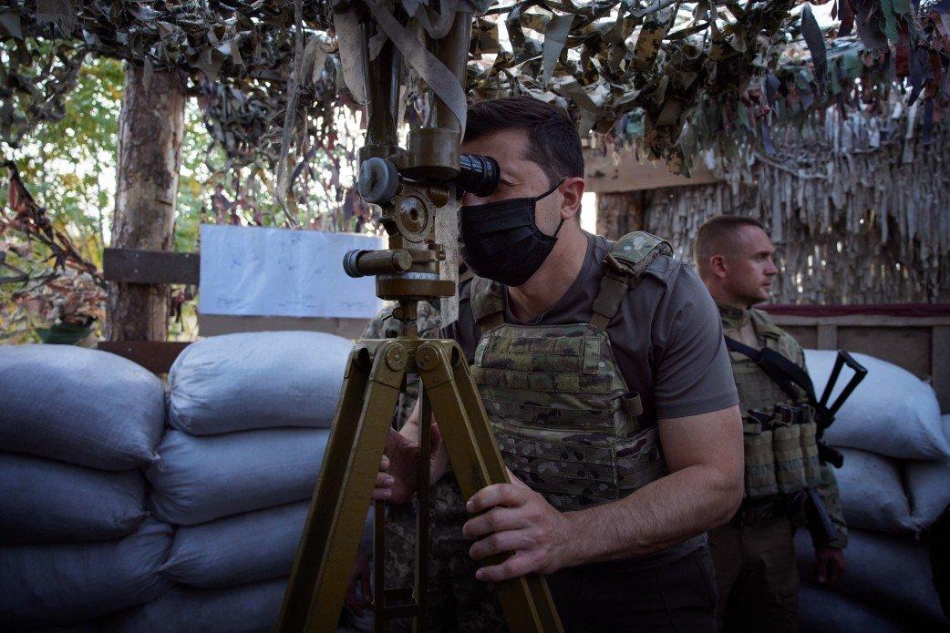 Зеленский посетил КПВВ «Майорское» и передовую ВСУ на Донбассе, - ФОТО, фото-6