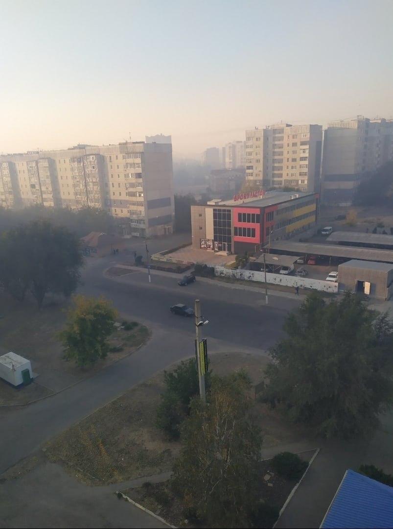 Луганск заволокло дымом, - ФОТО, фото-1