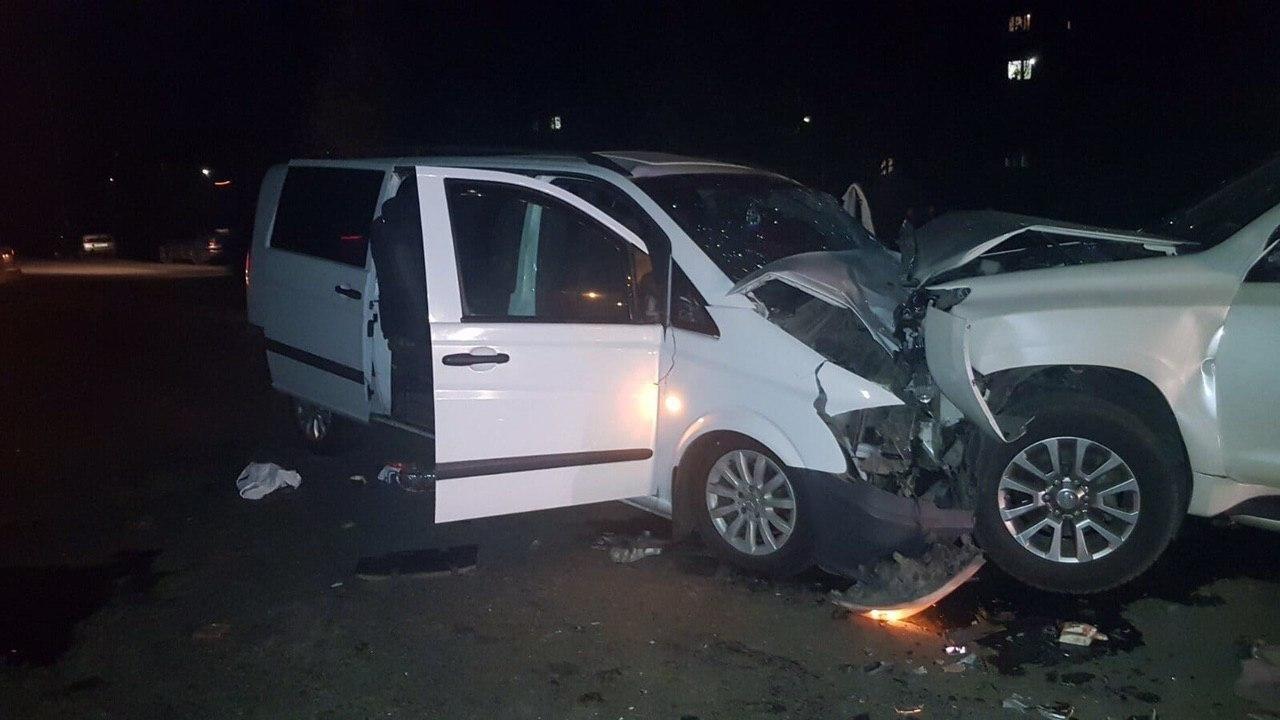В Луганской области в результате лобового столкновения джипа и микроавтобуса пострадали семь человек, - ФОТО, фото-2