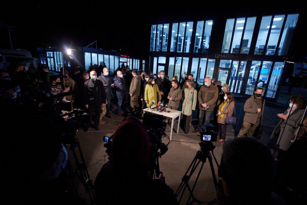 Зеленский осмотрел новый КПВВ «Счастье», который начнет работу 10 ноября, - ФОТО, фото-4