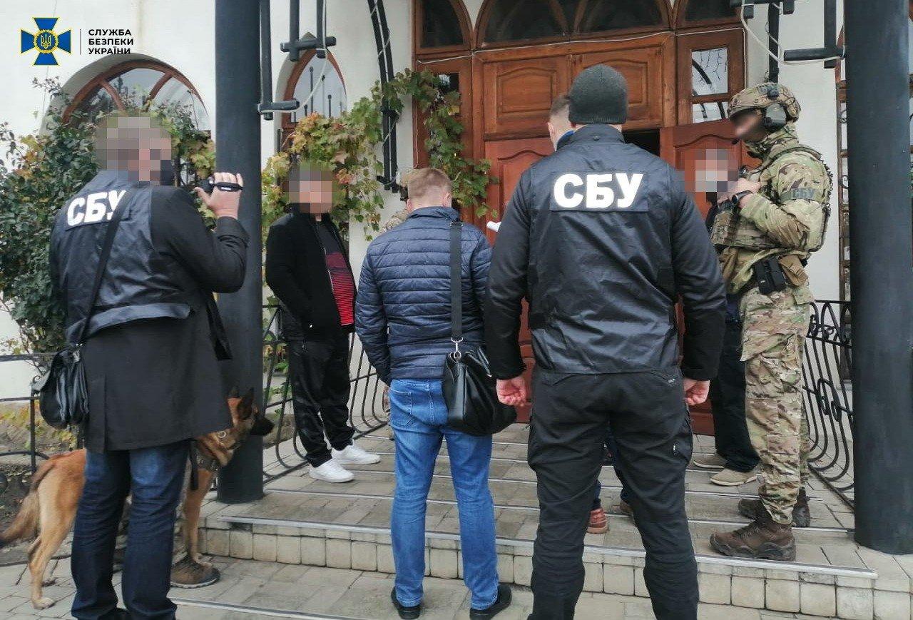 В Луганской области разворовали деньги на ремонт школ и больниц, фото-1