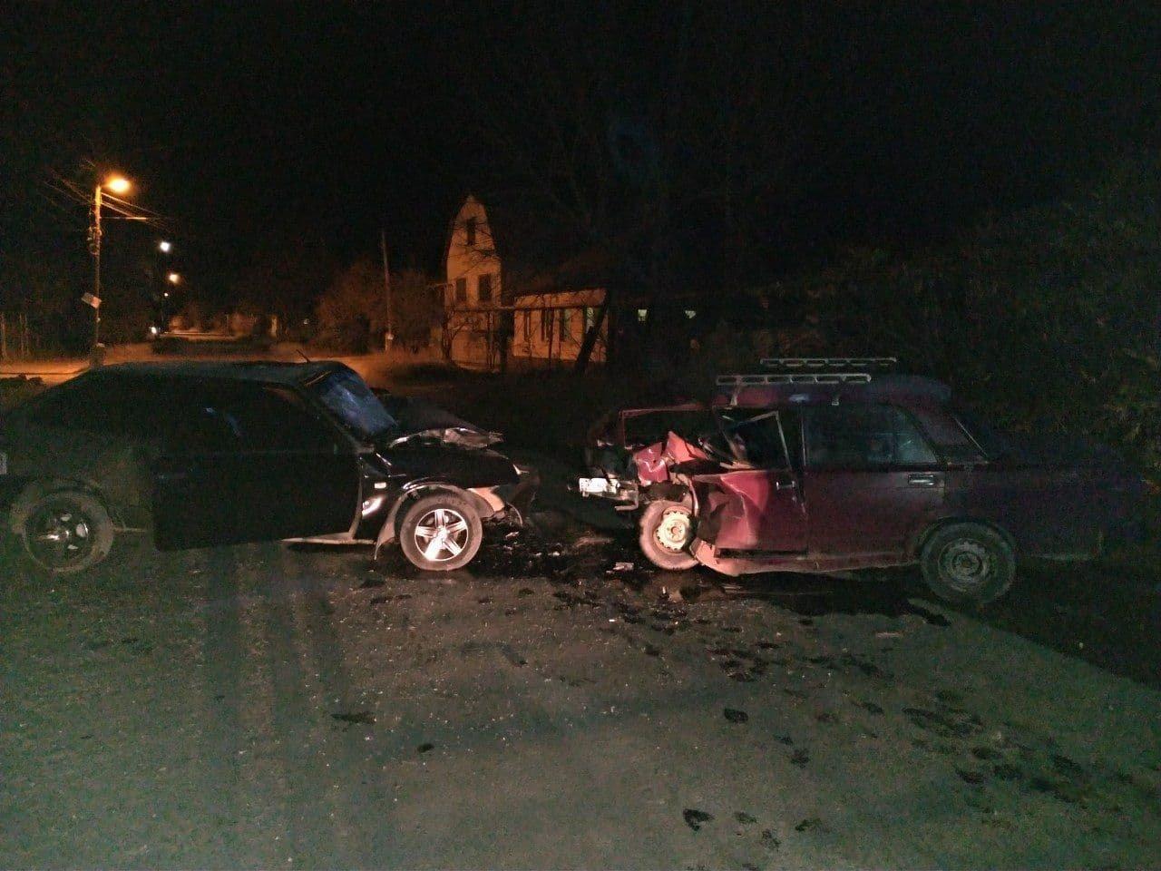 В Луганске произошло лобовое столкновение «Жигулей» и «восьмерки»: погиб человек, - ФОТО, фото-1