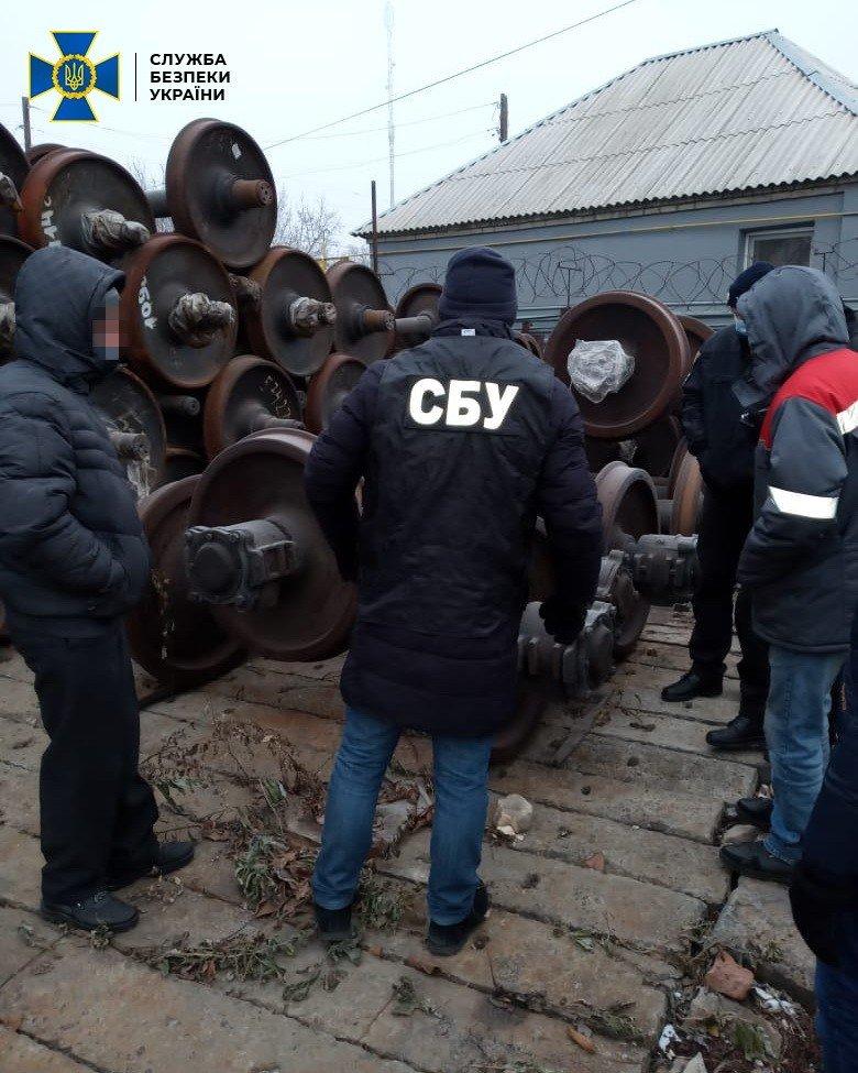В Луганской области фирма поставляла для железной дороги старое оборудование под видом нового, - ФОТО, фото-1