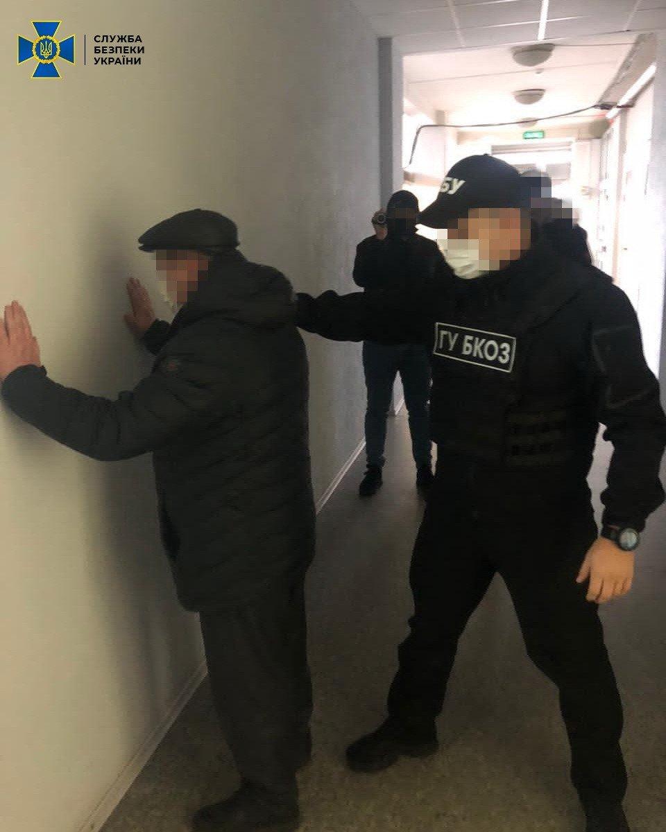 В Луганской области на взятке попался начальник офиса водных ресурсов, - ФОТО, фото-1