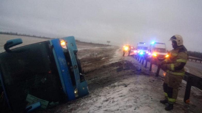 В России перевернулся автобус «Москва-Донецк»: погибли два человека, - ФОТО, ВИДЕО, фото-2