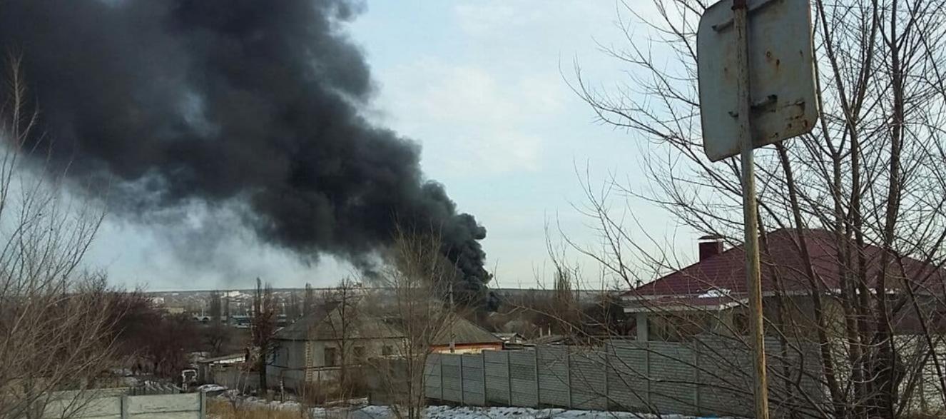 В Луганске горит склад горюче-смазочных материалов, - ФОТО, фото-2