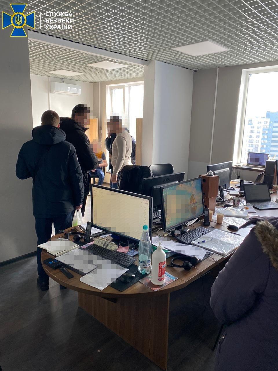 СБУ обезвредила ботоферму, работавшую на Россию: заблокировано более 18 тысяч аккаунтов, - ФОТО , фото-1