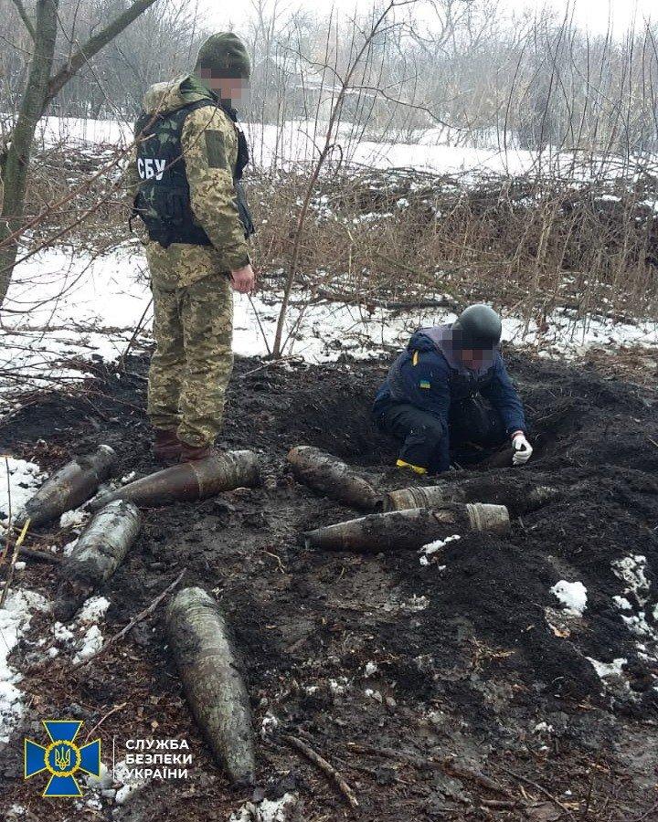 В Луганской области нашли два тайника со снарядами, гранатами и патронами, - ФОТО, фото-2