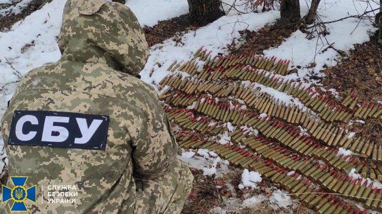 В Луганской области нашли два тайника со снарядами, гранатами и патронами, - ФОТО, фото-4