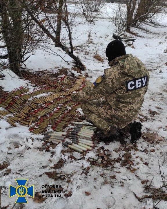 В Луганской области нашли два тайника со снарядами, гранатами и патронами, - ФОТО, фото-3