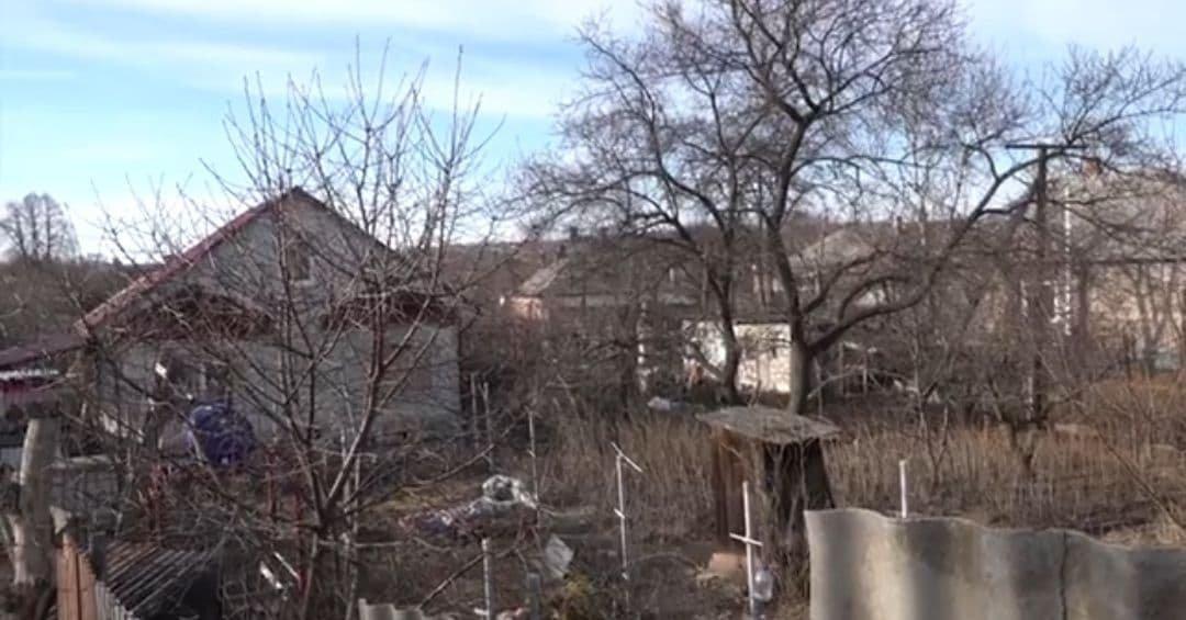 Хотел отсрочить выплату долга: в оккупированном Луганске из гранатомета обстрелян дом, - ФОТО, фото-1