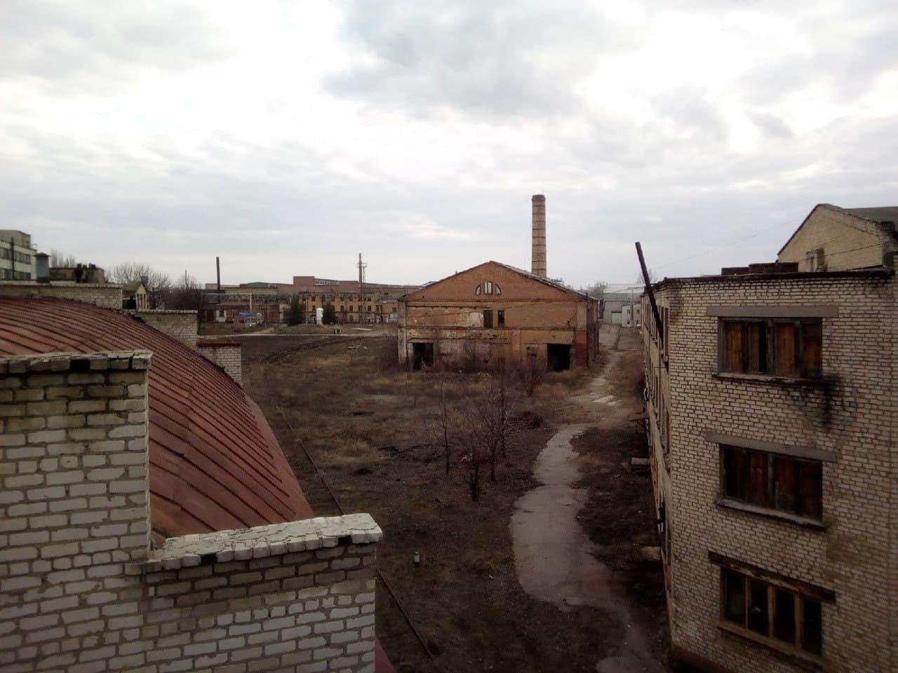 Банально распилили: что осталось от машзавода в оккупированном Луганске, - ФОТО, фото-3