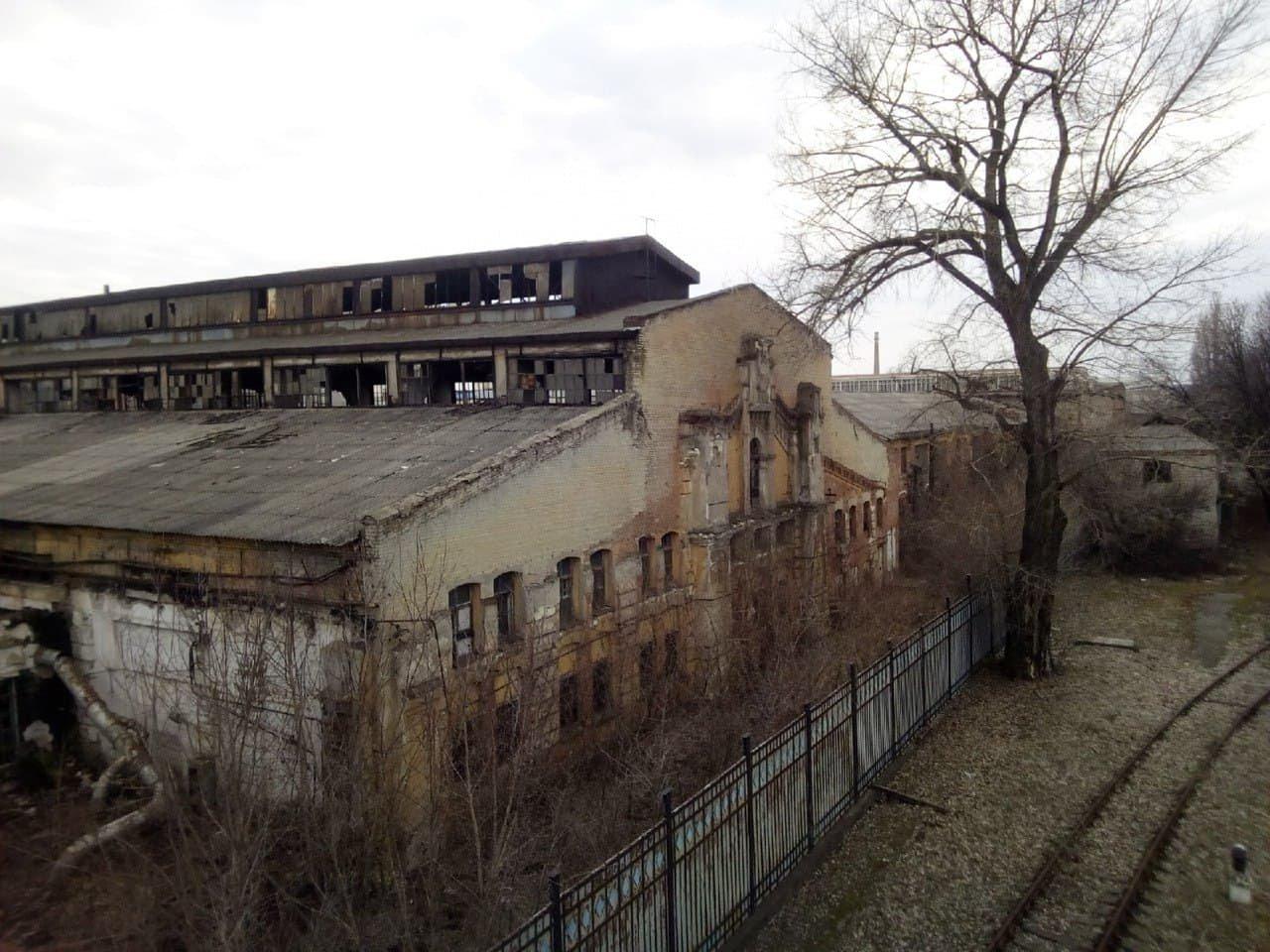 Банально распилили: что осталось от машзавода в оккупированном Луганске, - ФОТО, фото-2