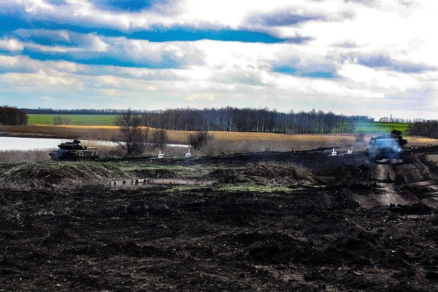 На Донбассе украинские танкисты провели учения, - ФОТО, фото-4