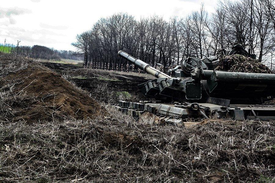 На Донбассе украинские танкисты провели учения, - ФОТО, фото-1