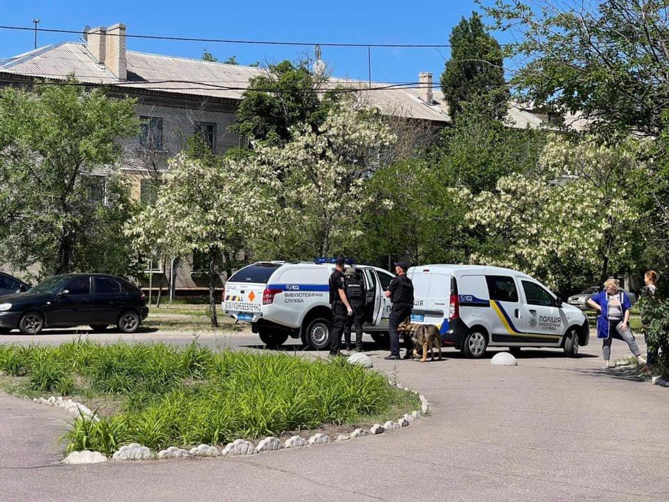 Из двух вузов в Северодонецке срочно эвакуируют людей, - ФОТО, фото-3