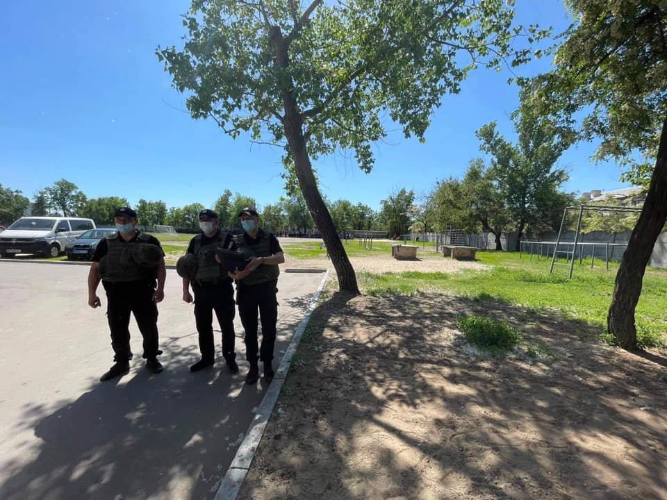 Из двух вузов в Северодонецке срочно эвакуируют людей, - ФОТО, фото-7