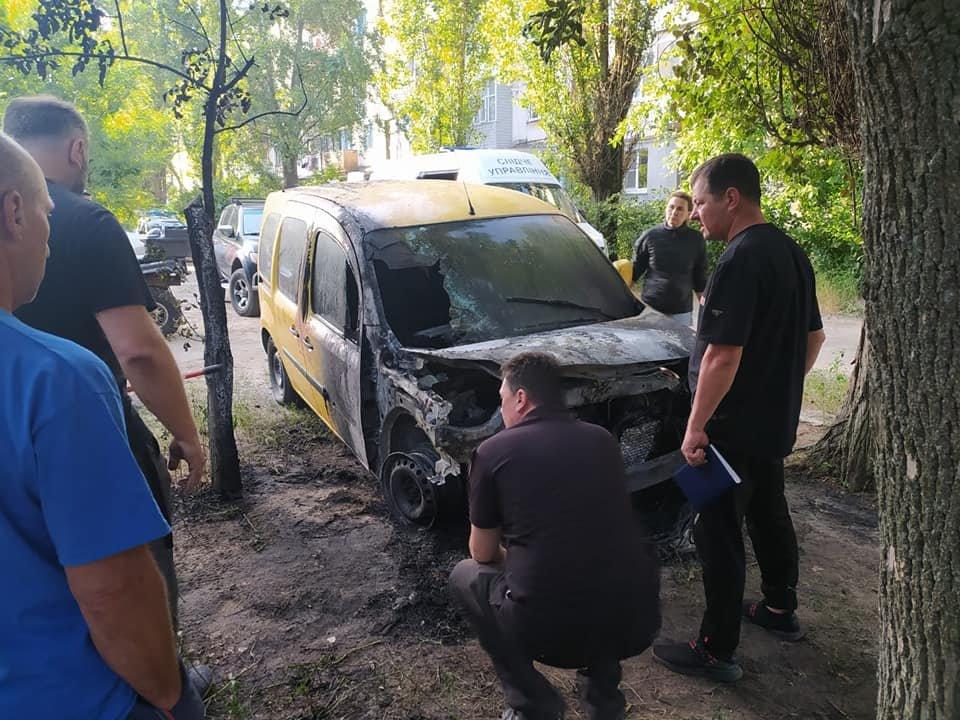 В Рубежном ночью загорелся автомобиль, - ФОТО, фото-3