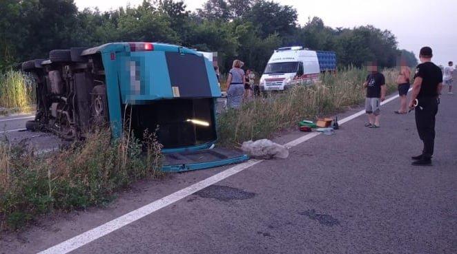 В Луганской области перевернулась маршрутка: пострадали девять пассажиров, - ФОТО, фото-5